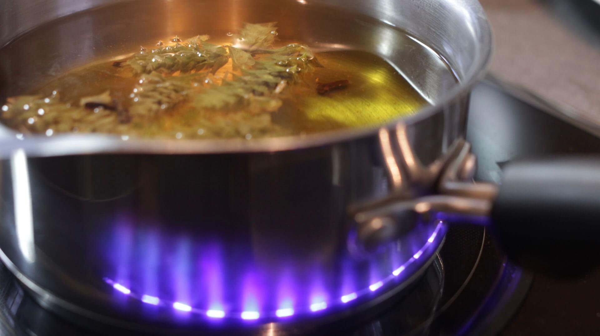 Herbatka jesienna z gojnikiem bezglutenowa kuchnia wegańska Atelier Smaku