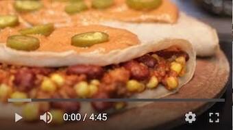 260YT Bezglutenowe i wegańskie naleśniki po meksykańsku z sosem jalapeño