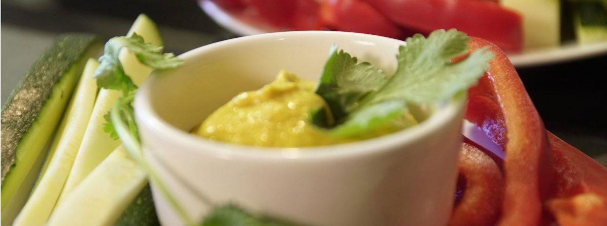 Orientalny dip z mango bezglutenowa kuchnia wegańska Atelier Smaku