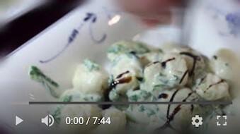 13YT Bezglutenowe i wegańskie gnocchi z sosem szpinakowym