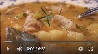 163YT Bezglutenowa i wegańska zupa ogórkowa z rozmarynem
