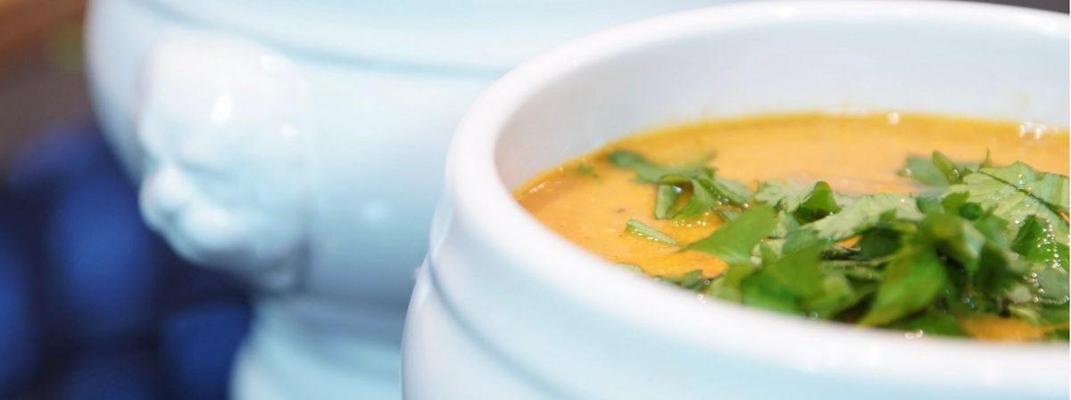 Szybki sposób na rozgrzewającą zupę bezglutenowa kuchnia wegańska Atelier Smaku