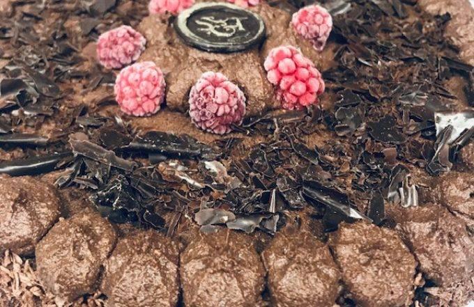 Wegański i bezglutenowy tort o konkretnym smaku